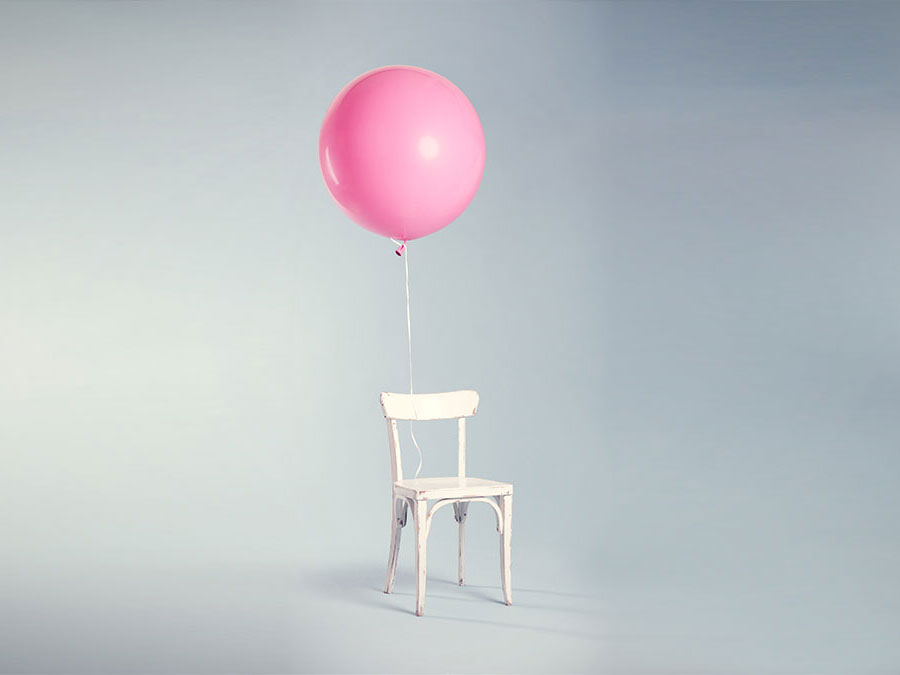 move in - move-out chair with baloon